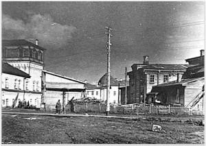 Вятка Театральная площадь Слева - дом купца Толмачева Снимок 1920-х гг